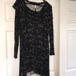 Kensie Black and Creme Flowey dress